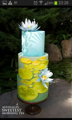 Flower cake by elinor (bakery cakes water) Cupcakes, Cupcake Cakes, Bolo Floral, Floral Cake, Gorgeous Cakes, Pretty Cakes, Amazing Cakes, Lily Cake, Painted Cakes