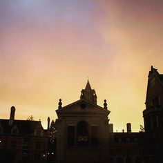 We couldn't have asked for a more beautiful evening sky than the one we were treated to on Monday evening. It made a dramatic backdrop to the #pemcam Chapel.
