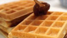 Raw Vegan Breakfast, Breakfast Toast, Breakfast Bars, Breakfast Recipes, Cake Decorating Techniques, Sweets Recipes, Crepes, Granola, Waffles