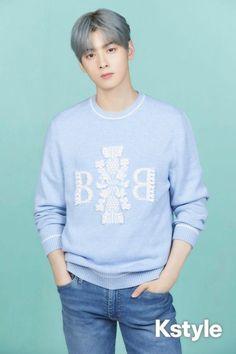 Cha Eunwoo Astro, Cha Eun Woo, Asian Boys, Bts Boys, White Tees, Handsome Boys, Korean Singer, Korean Actors, Cute Guys