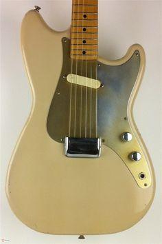1957 Fender® Musicmaster™ Fender Bass Guitar, Guitar Rig, Fender Guitars, Cool Guitar, Fender Vintage, Vintage Guitars, Fender Bender, Custom Bass, Pedalboard