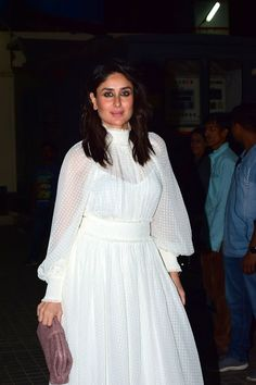 Kareena Kapoor Pics, Bollywood Actress Hot Photos, Gowns Of Elegance, Hottest Photos, Elegant Gown, White Dress, Actresses, Beauty, Beleza