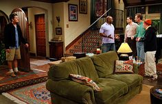 Two and a Half Men - The 50 Coolest Sitcom Homes Two And Half Men, Half Man, Nancy Meyers Movies, Charlie Sheen, Tv Sets, Home Tv, Cozy Living Rooms, Living Room Designs, Home Goods