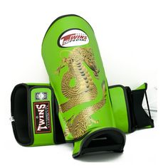 Twins Special Fancy Shin Protection   Chinese Dragon FSG-23G   -Green (Light Green)
