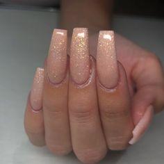 Not the length but I love the nail color - Glitter acrylic nails - - Nails Aycrlic Nails, Glam Nails, Cute Nails, Pretty Nails, Hair And Nails, Coffin Nails, Sparkle Nails, Glitter Nails, Sparkly Acrylic Nails