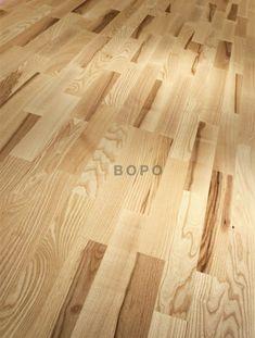 Třívrstvé dřevěné podlahy od výrobce PARADOR mají střední masivní vrstvu ze smrku nebo jasanu.Lamely jsou impregnovány a tím chráněny proti nabobtnání. Lamely jsou opatřeny automatickým zaklapávacím systémem Automatic-Click s podélným a čelním uzavřením hran. Hardwood Floors, Flooring, Texture, Classic, Crafts, Wood Floor Tiles, Surface Finish, Derby, Wood Flooring