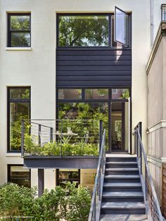 Dean Street Townhouse Brooklyn, New York, NY, United States This 4,600 square foot renovation project reconfigured a historic townhouse into an owner's triplex over a rental apartment. The townhouse had been neglected...