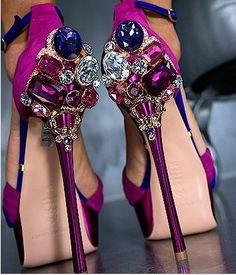 Gianmarco Lorenzi ~ Stunning And Very Sexy~ Bejeweled Killer Heeled Evening Shoes Cute Shoes, Me Too Shoes, Gianmarco Lorenzi, All About Shoes, Walk This Way, Beautiful Shoes, Gorgeous Heels, Sexy Feet, Style