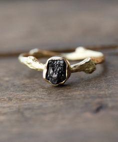 01a1399d5ad Větvičkový prsten zlatý se surovým diamantem   Zboží prodejce frosh
