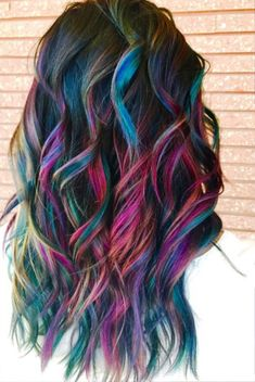 """we are here to discuss on a very important topic based on Geode Hair Color. So those who are wondering to get an inspiration about Geode Hair Color you can join us. So checkout """"20 Amazing Geode Hair Color Ideas To Try"""""""