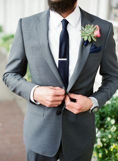 Groom in a Grey Suit with a Tie Pin | Beautiful Winter Wedding | The Happy Bloom…