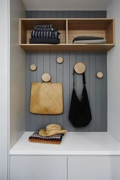 6 Sensitive Cool Tips: Floating Shelves Over Toilet Products ikea floating shelves butcher blocks.Floating Shelf For Tv Basements industrial floating shelves ikea hacks. Cottage Renovation, Home Renovation, Celebrity Kitchens, Entry Way Design, Inside Home, Built In Desk, Built Ins, Dining Nook, Interior Design Inspiration