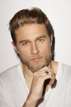 #charliehunnam #jaxteller #sonsofanarchy #hotbiker #lovehimalot #blueeyes #blondehair