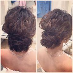 WEBSTA @ emimiko_hairmake - ふんわりアップ💕新婦様の柔らかい雰囲気にピッタリでした¨̮♡︎ #ブライダルヘア #ブライダルヘアメイク #ブライダルヘアアレンジ#アップスタイル#ふんわりヘアー#ルーズヘア