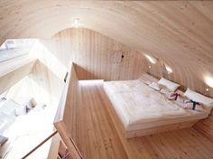Ufogel, un hotel de 45 m2 diseñado por Peter Jungmann  #WoodLovers #interiordesign #wood #architecture #hotel
