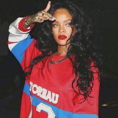 photos of Queen of pop Rihanna Fenty Rihanna, Mode Rihanna, Rihanna Concert, Style Rihanna, Rihanna Outfits, Mode Hip Hop, Mode Lookbook, Estilo Hip Hop, Diy Kleidung