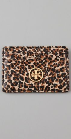 Kinda mad I bought the pink one for full price from the store and now this one is on sale. All leopard everything!!!!