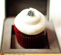 proposing with a cupcake! how cute... thought of  Jera Jensen Jensen 80166a1e73134