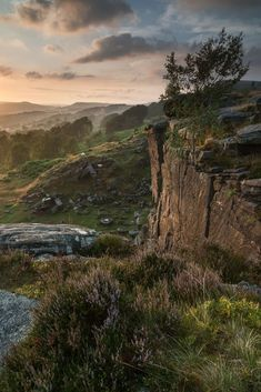 Hathersage in Peak District - Derbyshire, England Peak District, Places To Travel, Places To Visit, Oh The Places You'll Go, Nature Images, Nature Pictures, Beautiful World, Beautiful Places, Le Palais
