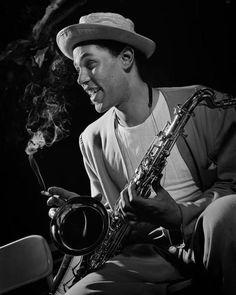 Dexter Gordon, Royal Roost, New York City, 1948 (DXG03)    © Herman Leonard