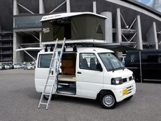 small & tiny home ideas - Kei Camping Cars of Japan Car Camper, Mini Camper, Camper Caravan, Mini Caravan, Suzuki Carry, Kei Car, Travel Trailer Remodel, Travel Trailers, Vanz