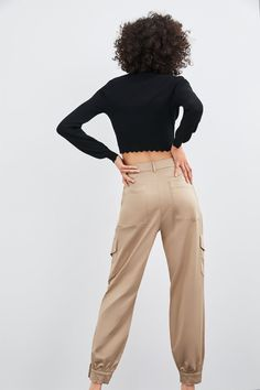 High-waist trousers in slightly stretchy fabric with false pockets and zip fly and metal hook fastening. HEIGHT OF MODEL: 177 cm. Wide Leg Trousers, Zara Women, Cargo Pants, Casual Pants, Chic, Womens Fashion, Image, Pants, Shabby Chic
