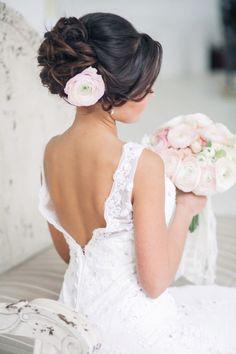 Peinados Recogidos para Novias con Flores