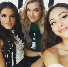 Ladies of the 100 at SDCC 2015 Marie Avgeropoulos, Eliza Jane Taylor and Lindsey Morgan The 100 Cast, The 100 Show, It Cast, Bellarke, Lindsay Morgan, Lindsey Morgan Instagram, The 100 Serie, Eliza Jane Taylor, Divas