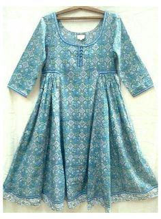Girls Dresses Sewing, Stylish Dresses For Girls, Frocks For Girls, Casual Dresses, Girls Designer Dresses, Short Dresses, Winter Dresses, Pakistani Kids Dresses, Pakistani Dress Design