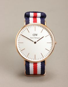 the-gentlemans-club:  Daniel Wellington Classic Cantebury Rose