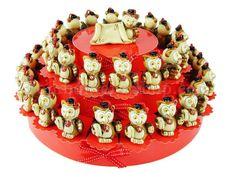 Torta per festa di laurea con 38 gufetti in cotto decorato confetti inclusi #tortabomboniera #gufetto #laurea #festa