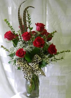Designs For Garden Flower Beds Enchanted Florist Pasadena - Wild About You Red Roses, Valentine's Day Flower Arrangements, Flower Centerpieces, Roses Valentines Day, Dozen Red Roses, Rose Delivery, Enchanted Florist, Order Flowers Online, Most Beautiful Flowers, Red Leopard