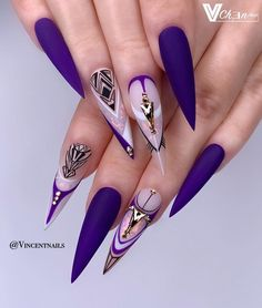 The prevalence of matte stiletto nail designs have increased significantly in the past few years. Matte nails always makes a difference, and it is more luxurious to cooperate with stiletto shape nails. Matte nails should definitely be your first ch Dope Nails, Bling Nails, Fun Nails, Nail Swag, Gorgeous Nails, Pretty Nails, Matte Stiletto Nails, Coffin Nails, Nagel Bling
