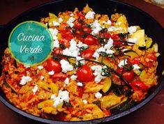 Reispfanne mit Zucchini und Schafskäse - Rezept von Joes Cucina Verde Thai Chili, Burn Belly Fat Fast, Food Pyramid, Diet Chart, Paella, Vegetable Pizza, Ethnic Recipes, Risotto, Zucchini