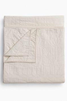 Amish Quilts Amish Star Wholecloth Throw Quilt on Garmentory Amish Quilt Patterns, Amish Quilts, Modern Color Palette, Modern Colors, Monochrome Pattern, King Size Quilt, Crib Blanket, Sleep Shirt, Hand Quilting