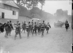 Troops of the (Service) Battalion Hull), East Yorkshire Regiment, marching to the trenches. Near Doullens, June Battle of the Somme. ©IWM (Q Kingston Upon Hull, Battle Of The Somme, East Yorkshire, Military Personnel, World War I, Wwi, First World, Troops, History