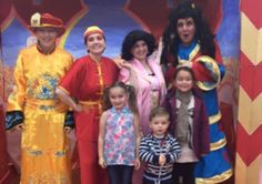 Cast from Aladdin & the Meanie Genie meet some of their fans touringpantomimecompany.co.uk