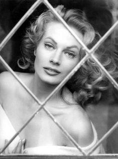 Anita Ekberg, en la lente de Peter Basch: Roma (1956).