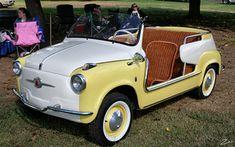 Vintage Cars, Antique Cars, Electric Car Concept, Fiat 500, Beach Wagon, Kei Car, Beach Cars, Vintage Italian, Dream Cars