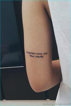 35 tatuajes pequeños pero motivacionales de la cita para los seres sedosos  #motivacionales #peque #sedosos #seres #tatuajes