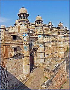 Gwalior, India.  By Sardonik