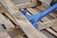 """Vestil SKB-DLX Deluxe Steel Pallet Buster with Handle, 41"""": Amazon.com: Industrial & Scientific"""