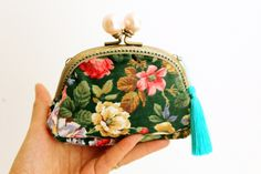 Colorful Clutch Purse, Evening Clutch, Kiss Lock Purse, Minimal Floral Clutch handbag, Metal Frame P Floral Clutches, Frame Purse, Vintage Clutch, Handmade Christmas Gifts, Purses And Bags, Coin Purses, Change Purse, Ribbon Embroidery, Chicano