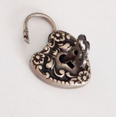 Antique Puffy Heart Padlock w KEY Curb Link Repousse Victorian Bracelet Sterling Silver