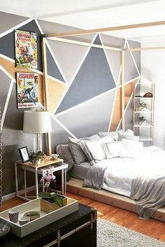 peinture acrylique mur, chambre à coucher originale, lit plateforme
