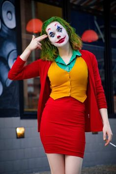 Joker Halloween Costume, Halloween Dress, Halloween Outfits, Female Beetlejuice Costume, Women Halloween, Joker Costume Women, Female Joker Halloween, Best Female Halloween Costumes, Comic Con Costumes