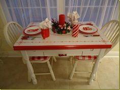 Red/white enamelware table and accessories soooooo verrrrrrrrrrrrry french country/cottage!!!!!!!!!!!!