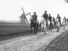 CO of the Royal Scots Greys, with his staff nearby. May 25th, 1918. [800x600] - Imgur