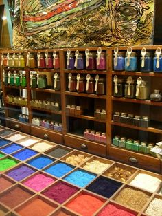 Another reason to visit Venice, Italy: Pigments for artists.  Arcobaleno, 3457 San Marco, Venezia.