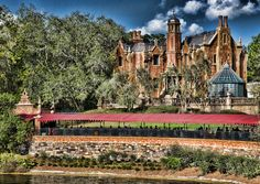 The Haunted Mansion / Mansion Mansion Mansions Architecture